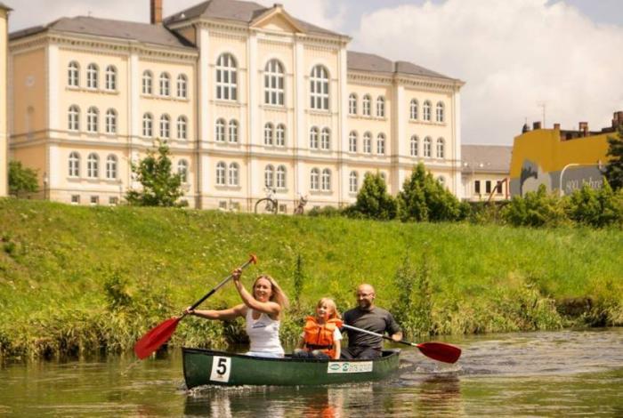 Freie Presse: Nasser Spaß auf der Weißen Elster bei der 6. Kanu-Fun-Regatta in Greiz