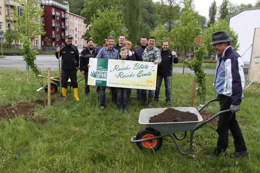 Greizer Neustadtverein wertet zur Entente Florale eine städtische Grünfläche auf